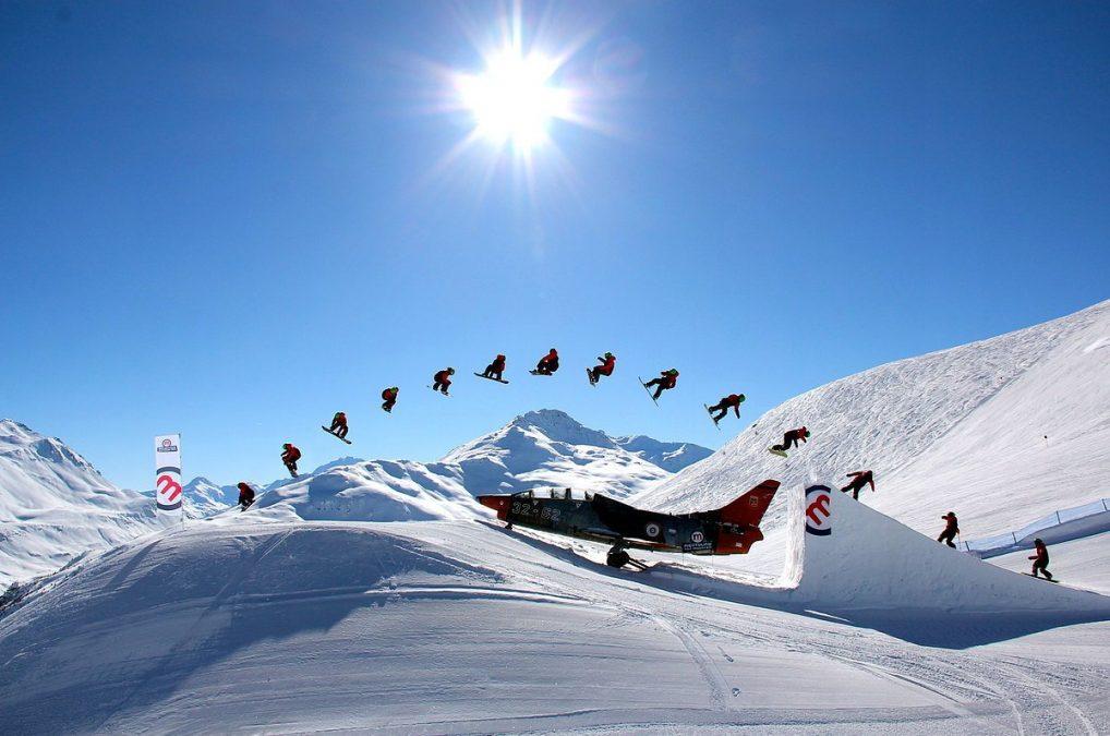 snowboard samolot mottolino