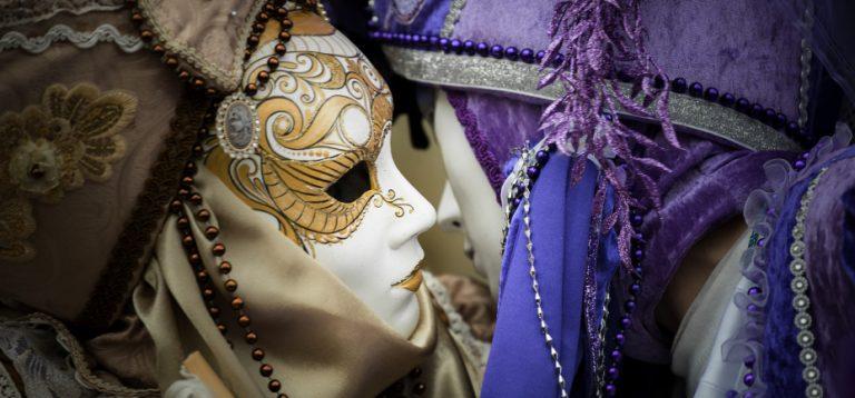 venice-kiss-masks